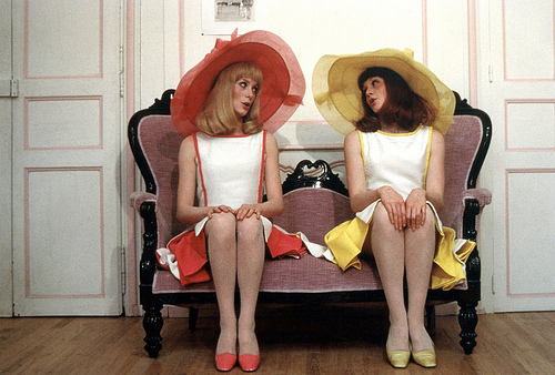 The Young Girls of Rochefort If Jacques Demy's Les parapluies de Cherbourg ...